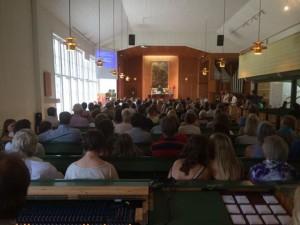 Gudstjänst i Åh kyrka. Foto: Carina Etander Rimborg